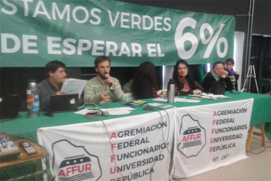 Funcionarios de la Universidad inician paros zonales de 24 horas