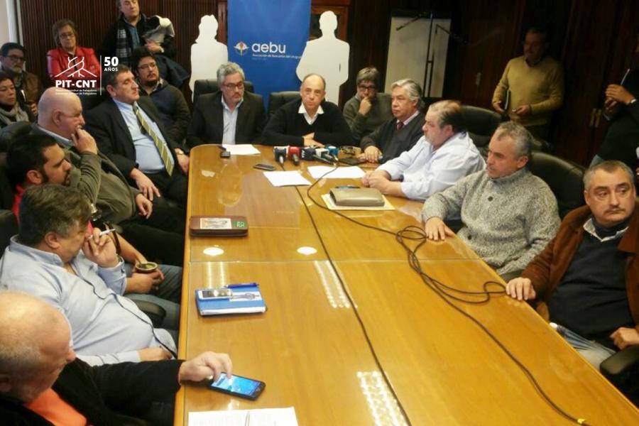 Bancarios del país en estado de alerta ante cierre parcial de sucursales del BROU