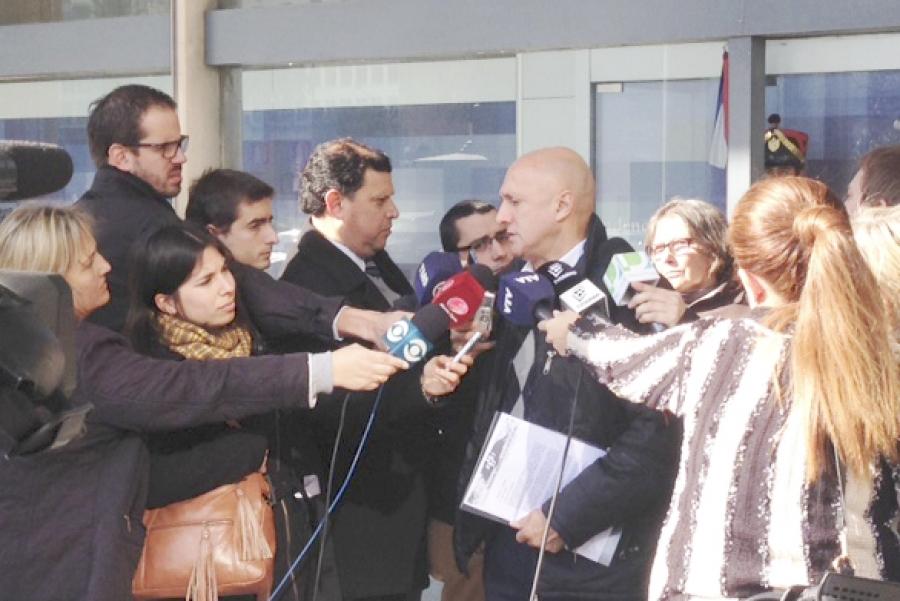 Trabajadores de la salud privada le entregaron nota a Vázquez y paran 24 horas el viernes