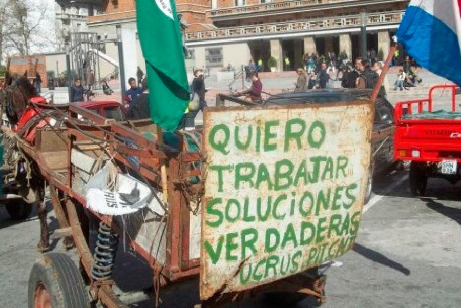 """Para los clasificadores de residuos """"la dictadura nunca se terminó"""""""